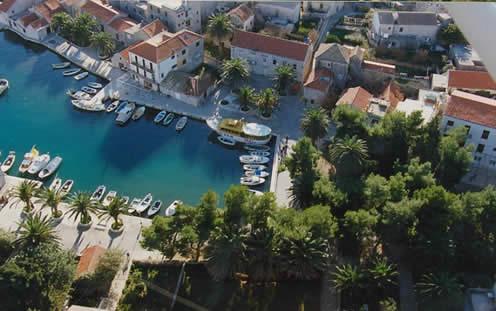 Isola di hvar appartamenti mladen sucuraj croazia for Appartamenti isola hvar